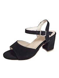 Sandále v módnom vzhľade