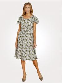 Kleid im modischen Floraldessin