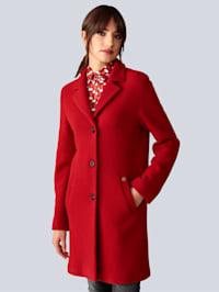 Krátky kabát v strihu saka