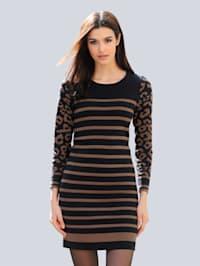 Pletené šaty s exkluzívnym žakárovým dizajnom