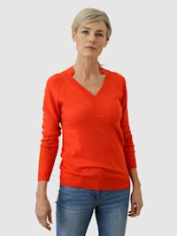 Pullover mit besonderem Ausschnitt