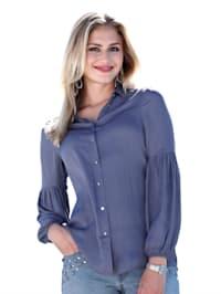 Bluse med strikk i ermekanten