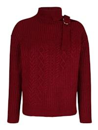 Pullover mit Schnalle am Ausschnitt