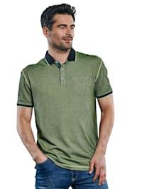 Poloshirt in besonderer Färbung