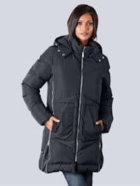 Mantel mit zusätzlichen Reißverschlüssen an der Seitennaht
