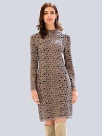 Šaty s exkluzívnym Alba Moda dizajnom