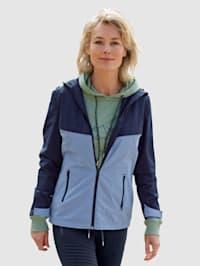 Jacke mit weitenverstellbarer Kapuze