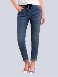 Jeans in modischer Joggpants-Form