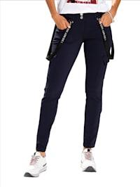 Hose mit dekorativen Bändern