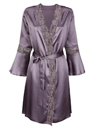 Ensemble robe de chambre +nuisette aux jolis détails en dentelle