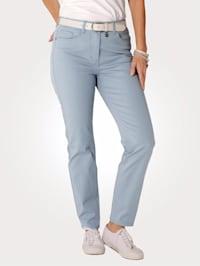Nohavice v pohodlnej priečne elastickej kvalite