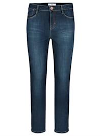 Jeans 'Shakira S' in modischer Form