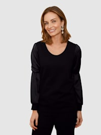 Shirt in elegant model