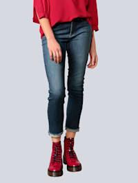 Jeans mit Zierniete am Saum