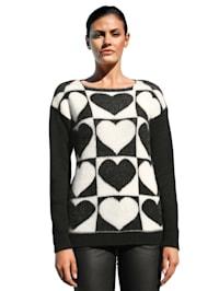 Pullover mit Herz-Motiven