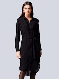Kleid mit effektvoller Rüschenverarbeitung