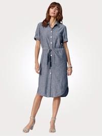 Kleid in Viskose-Leinen-Mischung