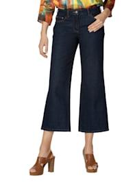 Jeans mit weitem Saum