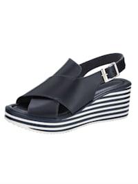 Sandaletter med hög front och kilklack