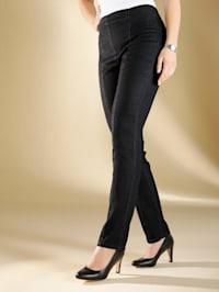 Jeans met flatterende naden