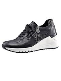 Sneakers compensées de style tendance