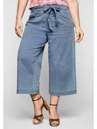 Jeans mit High-Waist-Bund und Bindegürtel