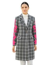 Manteau avec détails de coloris rose vif aux manches