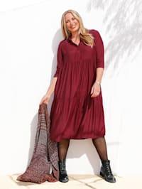 Klänning med härlig kjolvidd