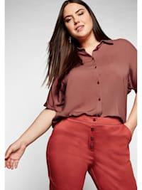 Bluse mit überschnittenen Ärmeln