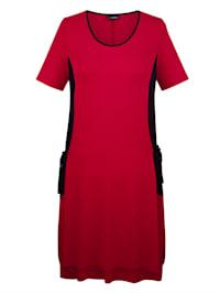 Jersey jurk met praktische zakken opzij