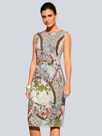 Kjole med blomstrete patchmønster