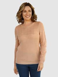 Pullover mit schönen Strickmuster