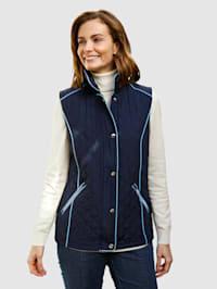 Prešívaná vesta s lemovaním vkontrastnej farbe