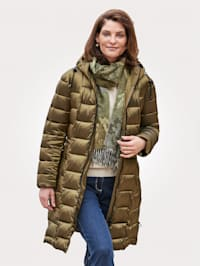 Doorgestikte jas met hoogsluitbare capuchon