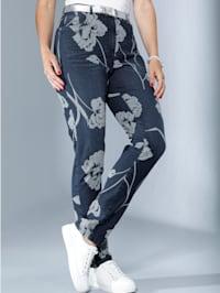Jeans met contrastkleurige bloemenprint