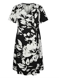 Šaty s peknou kvetinovou potlačou