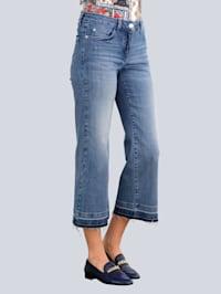 Jeans in modischer Culotte-Form