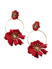 Ohrhänger mit Blütendekoration