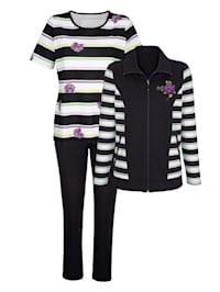 Športové oblečenie s prúžkovaným vzorom