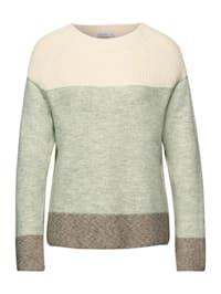 Pullover im Garnmix