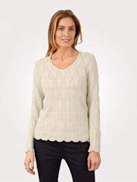 Pullover mit gebogten Abschlüssen