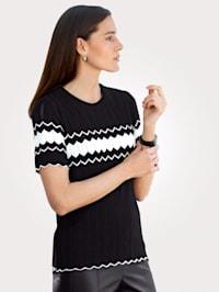 Pullover mit feinem Ajour-Strick