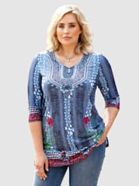 Dlhé tričko so zaujímavým mixom vzorov