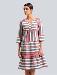 Kleid im ausdrucksstarkem Ethno-Mustermix