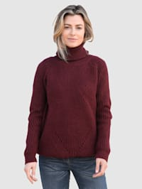 Pullover in grobem Struckturstrick