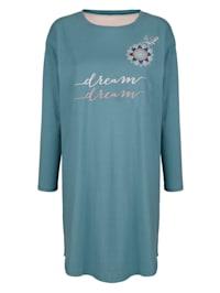 Nachthemd mit schönem Ornament im Vorderteil