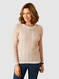 Pullover im schönen Strickmuster