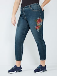Jeans mit floraler Stickerei
