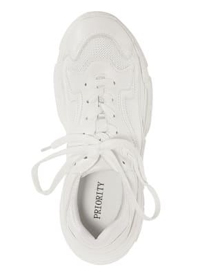 Sneaker in neuem modischen Look