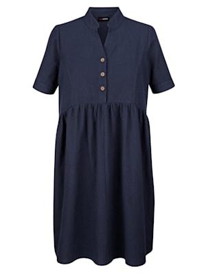 Kleid in Stufenoptik